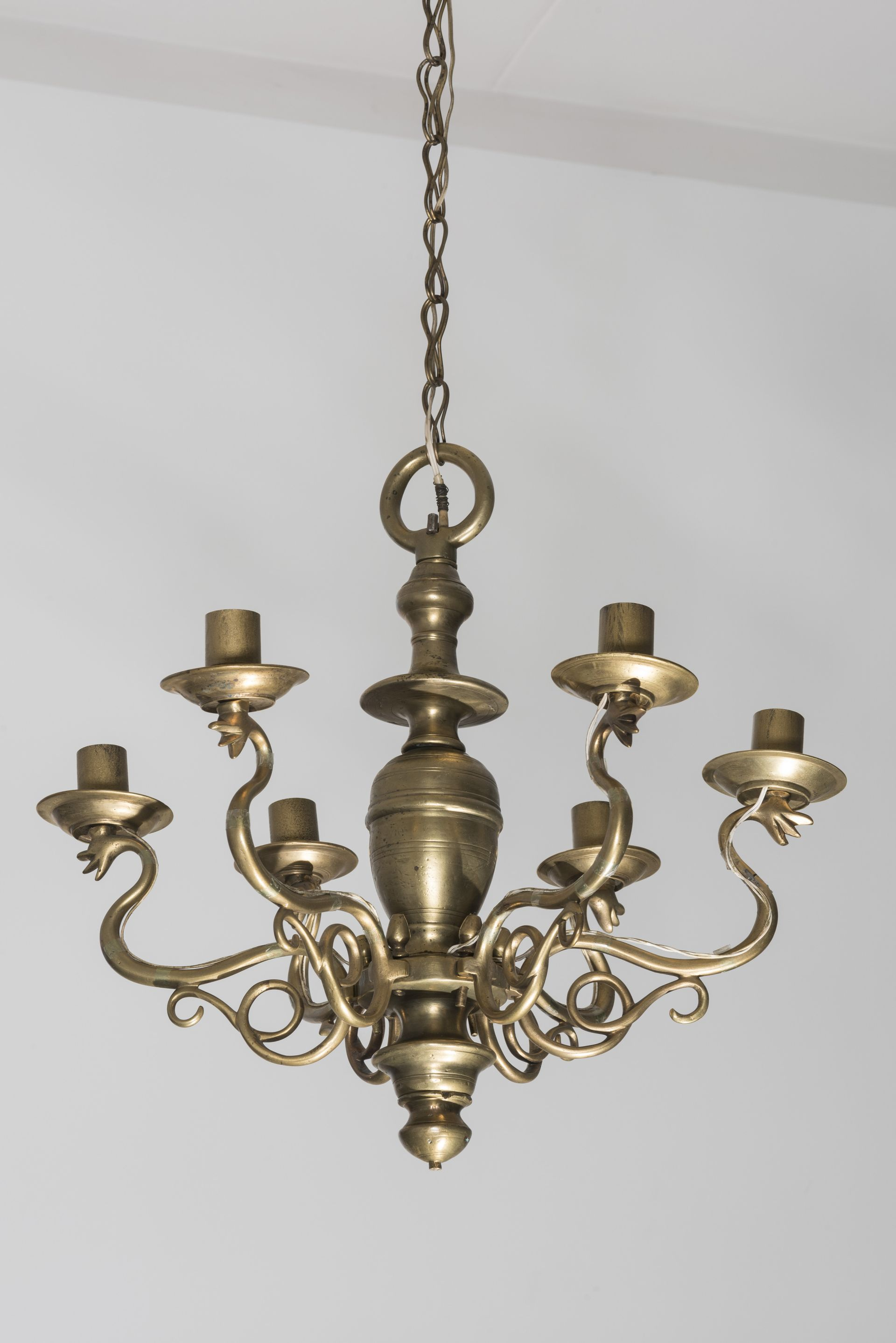Chandelier, 1587–1649, National Museum of Lithuania, IM-4618. Photo by Kęstutis Stoškus, 2018