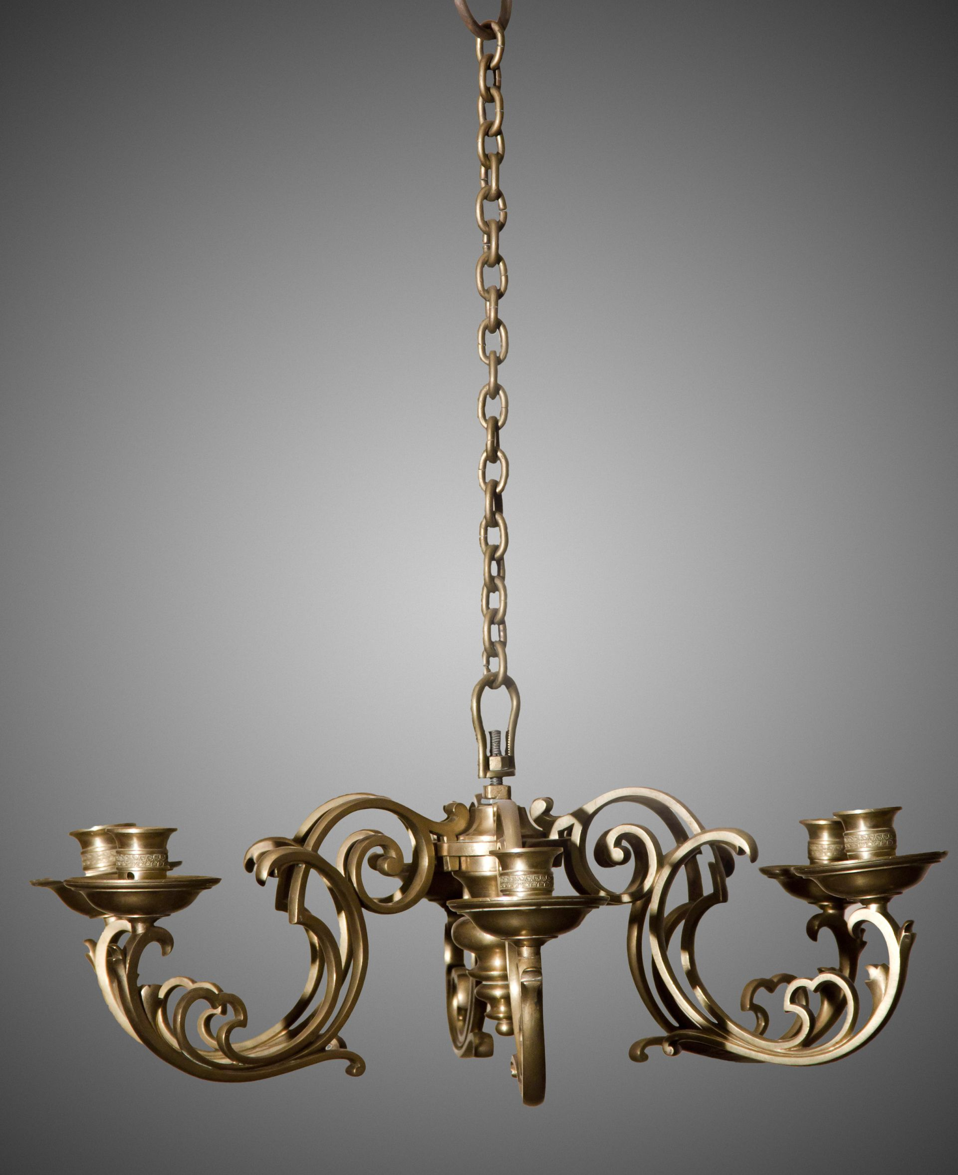 Chandelier, 1825–1875 (?), Lithuanian National Museum of Art, TM-2334. Photo by Tomas Kapočius, 2013