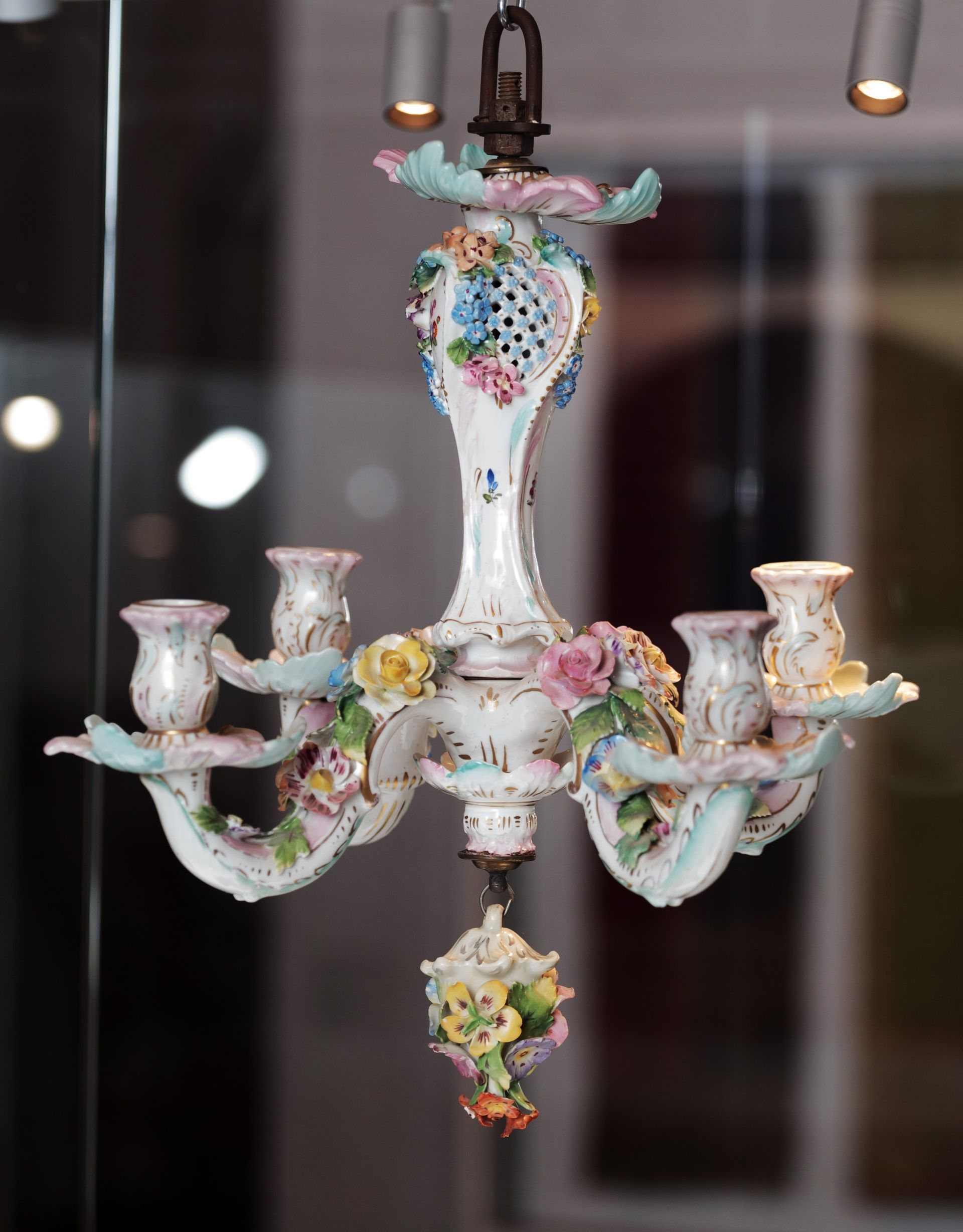 Chandelier, 1850–1899, Lithuanian National Museum of Art, TK-1067. Photo by Tomas Kapočius, 2017