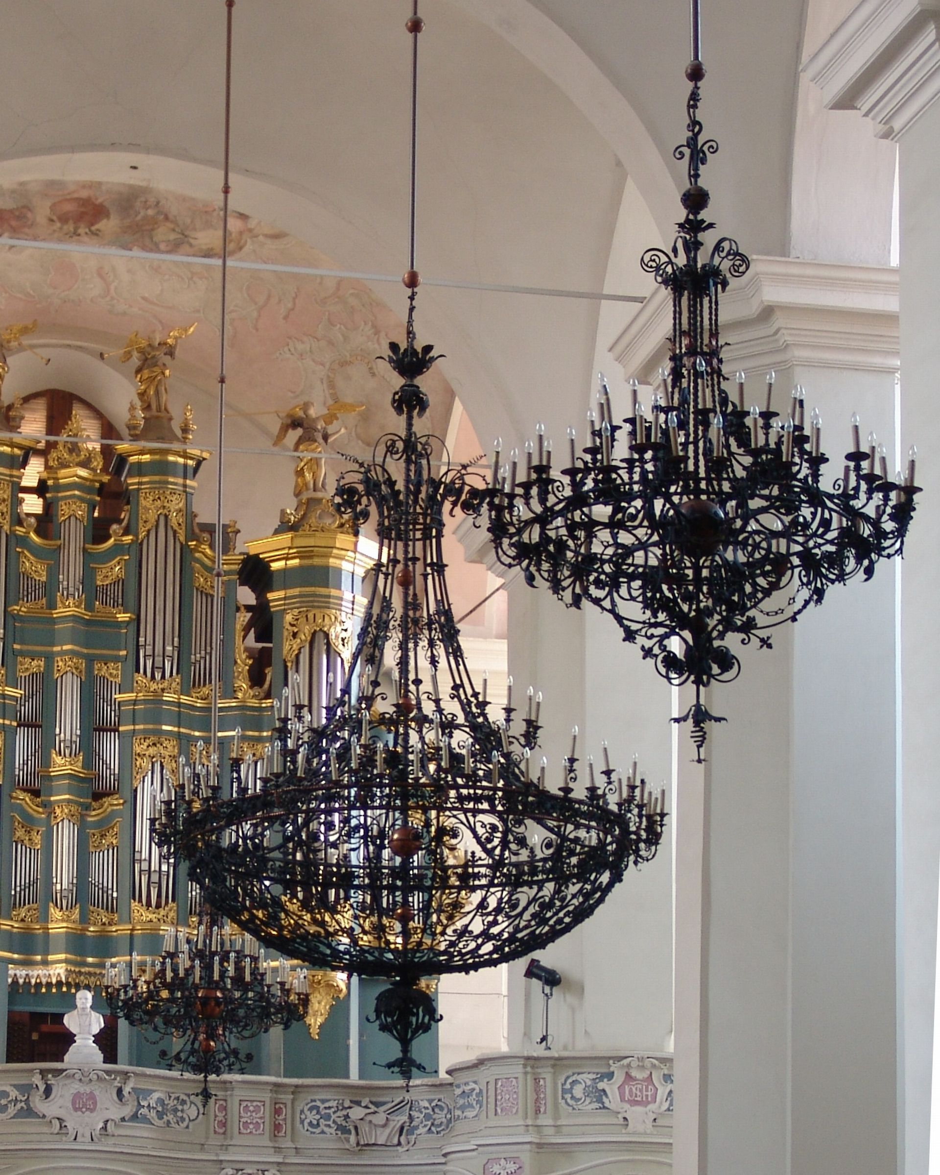 Chandeliers at the Church of John the Baptist and St. John the Apostle and Evangelist in Vilnius. Photo by Aloyzas Petrašiūnas, 2017