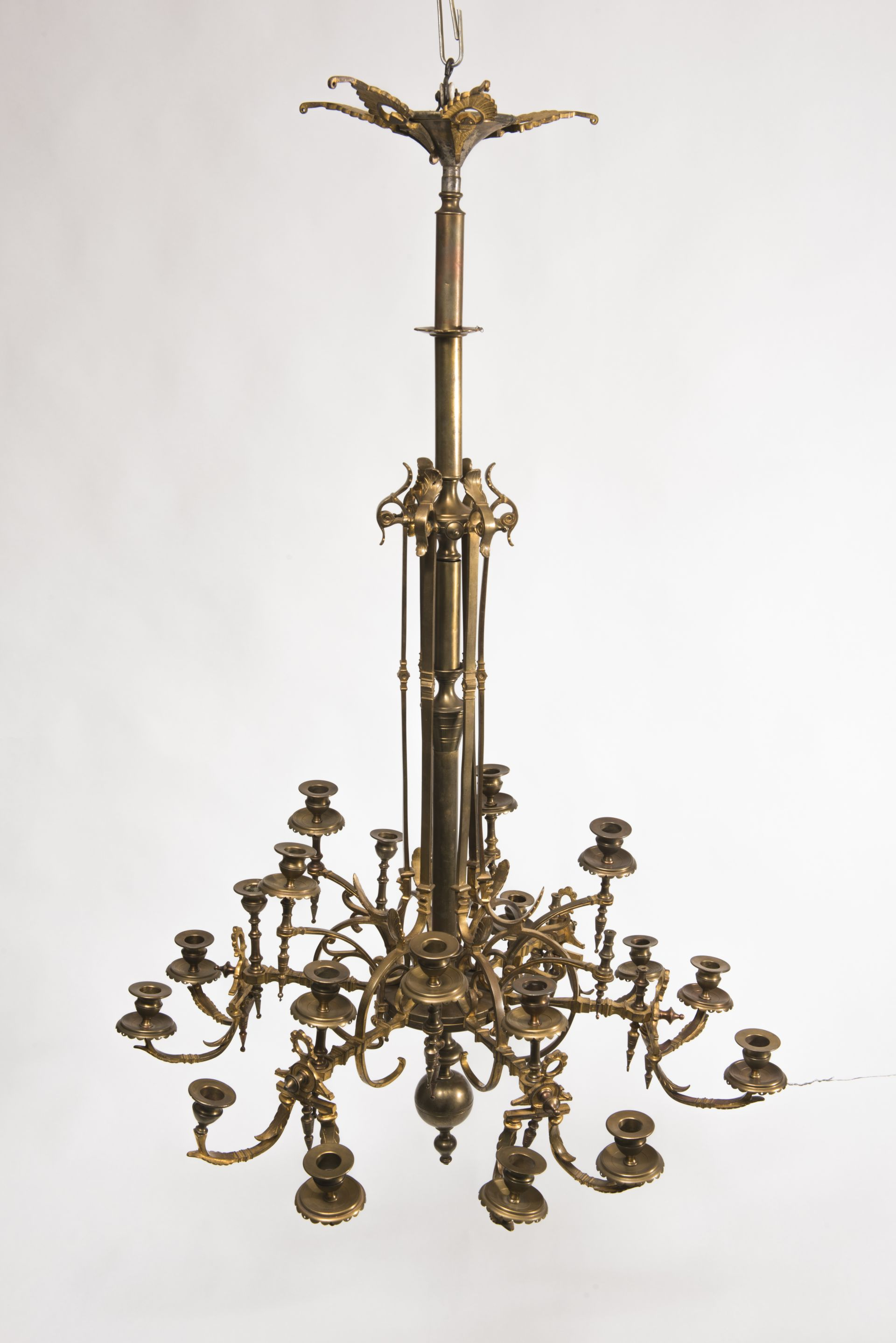 Chandelier, 1920–1939, National Museum of Lithuania, IM-5098. Photo by Kęstutis Stoškus, 2017