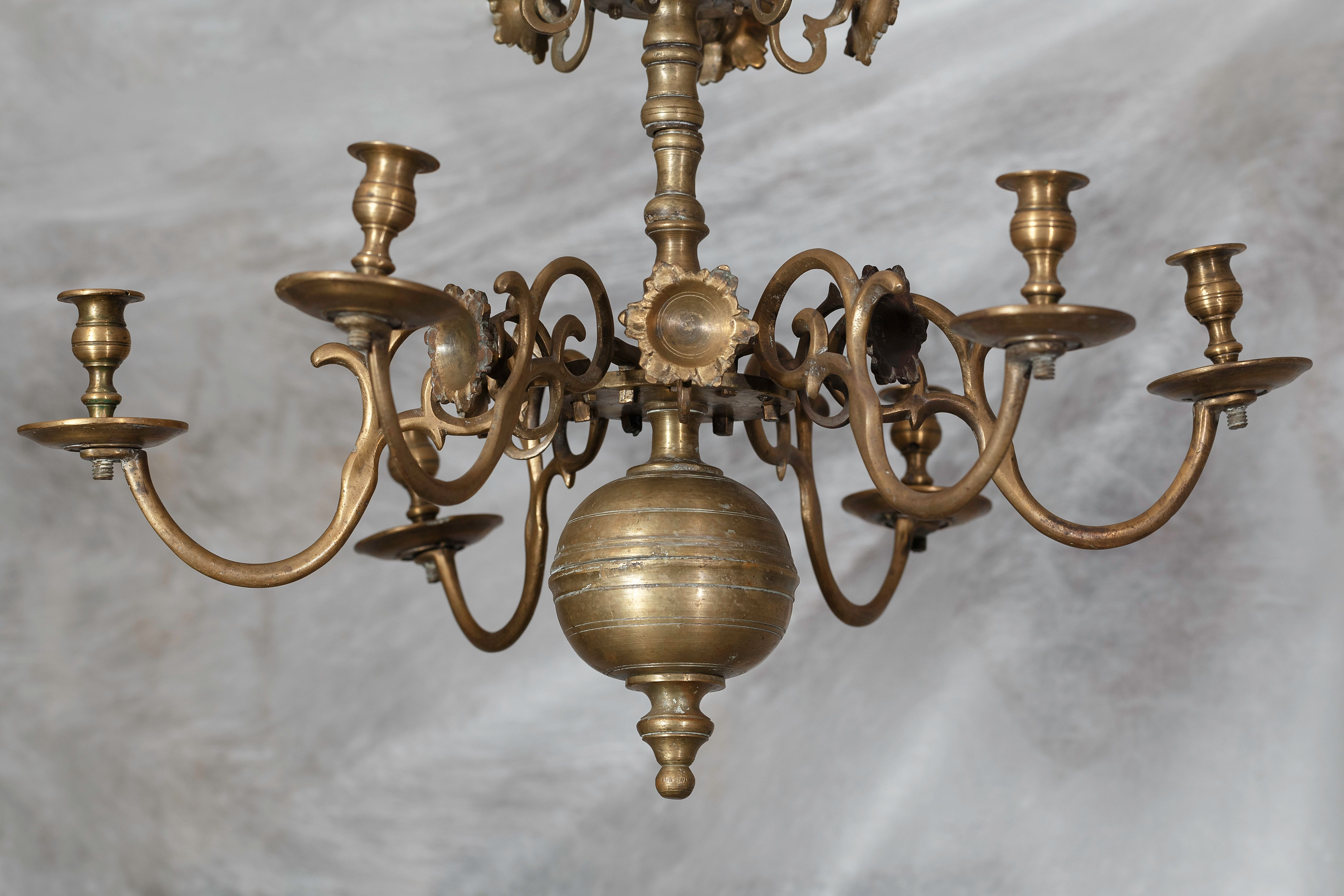 A fragment of the chandelier, the late 18th – 19th century, the National M. K. Čiurlionis Museum of Art, Tt-9556. Photo by Povilas Jarmala, 2019